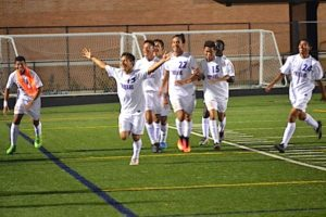 gaithersburg-soccer-plays-on-the-field